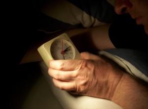 Schlafstörungen lassen einen immer wieder auf die Uhr schauen